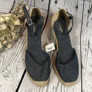 NWT Old Navy Wedge Size 7 Shoes